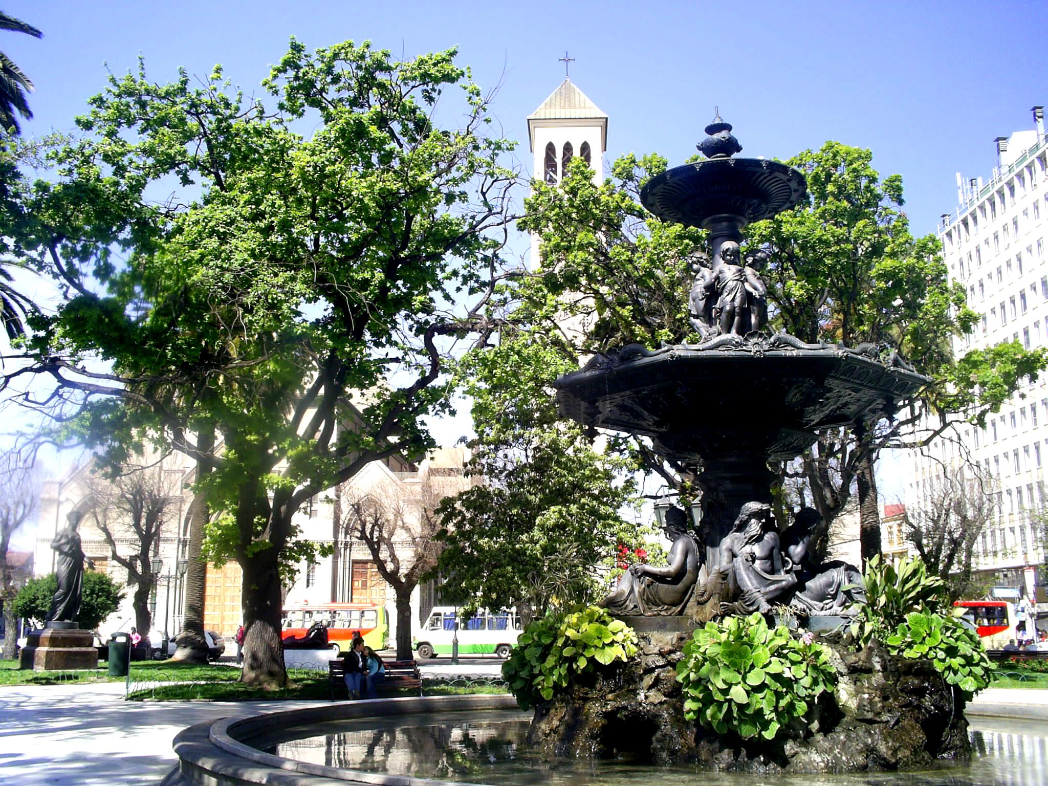 1158233089_la_plaza.jpg