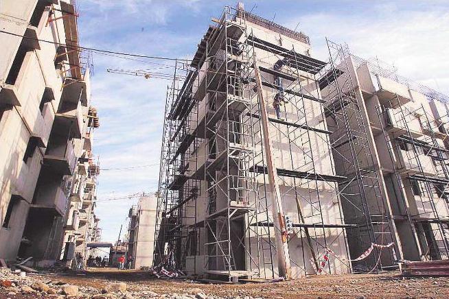 Alta demanda de constructoras por subsidios a 25 mil for Constructoras de viviendas