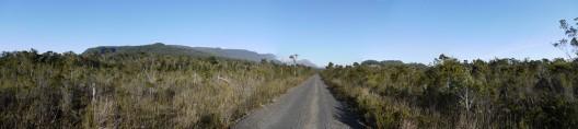 Camino Camahueto, Bernardo Valdés