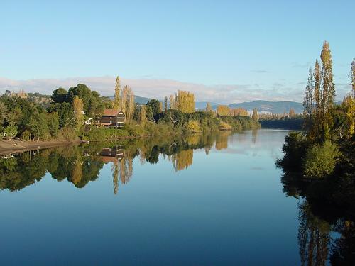 Río Rahue, vía Flickr Egon Wolf