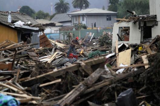 Constitución 01 Marzo 2010 (REUTERS/Ivan Alvarado)