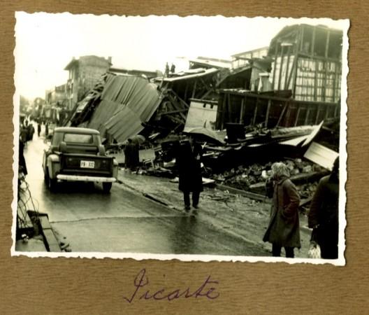 Valdivia calle Picarte post Terremoto de 1960 - fotografía donada por Ana María Labbé en sesiones de Correos de Chile - enero 2010