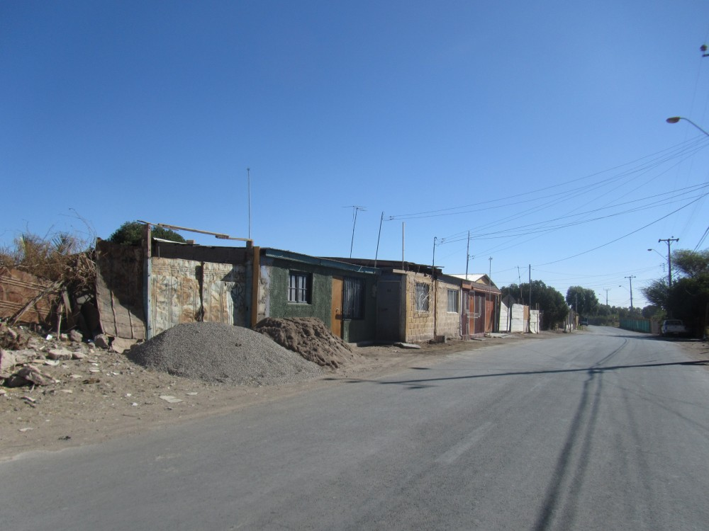 camino y casas
