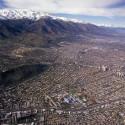 © Guy Wenborne. Cerros Calán y Manquehue, de fondo la Cordillera
