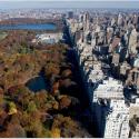 Central Park a lo largo de la 5ta Avenida desde un helicóptero. Nueva York, 11 de Noviembre de 2008. (SAUL LOEB/AFP/Getty Images) #