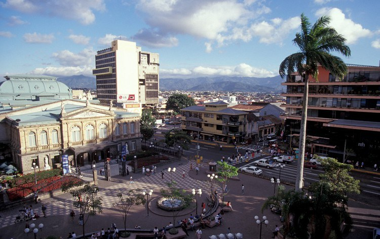 Costa Rica fue el país mejor catalogado por el Ranking Marca País América Latina 2011. Fotografía de la capital San José. ©John Mitchell