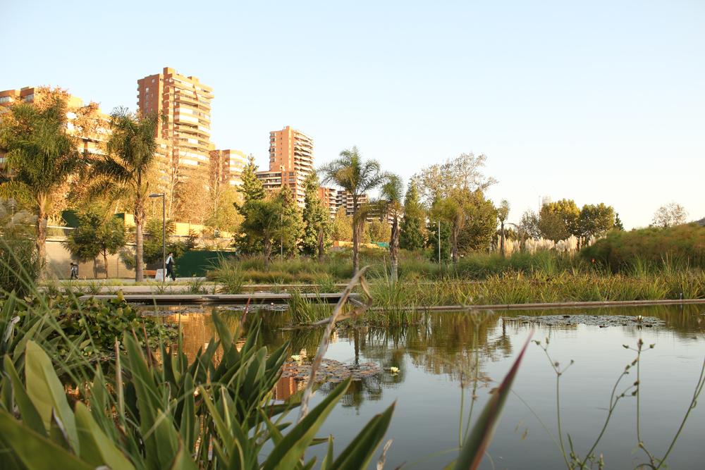 Gu a urbana de santiago parque bicentenario plataforma for Viveros en santiago maipu