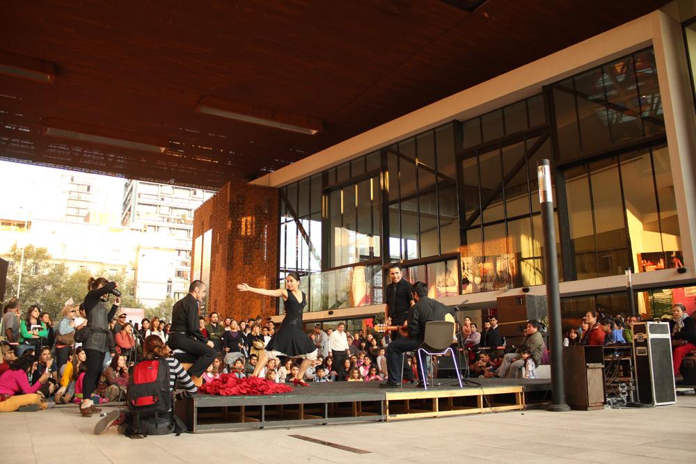 29 de abril, Día Internacional de la Danza en la Plaza Central GAM. © Plataforma Urbana.