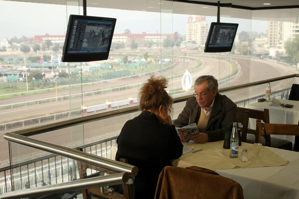 Restaurante en piso de los socios. © Plataforma Urbana.