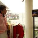 Los jinetes se pesan con su equipo incluido antes y después de cada carrera. © Plataforma Urbana.