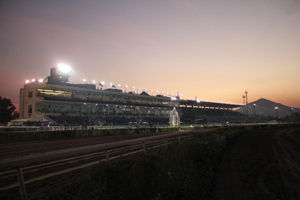 Vista nocturna del Hipódromo© Plataforma Urbana.