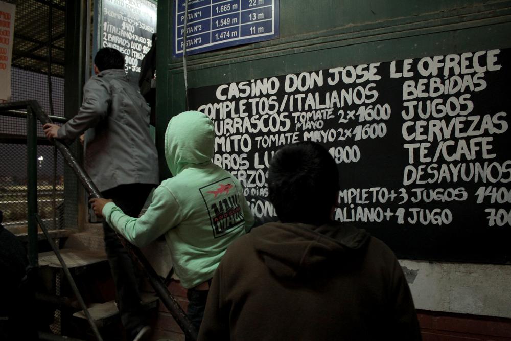Casino Don José al lado de la pista. © Plataforma Urbana.
