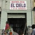 """Marmolería """"El Cielo"""" en calle Valdivieso. © Plataforma Urbana."""
