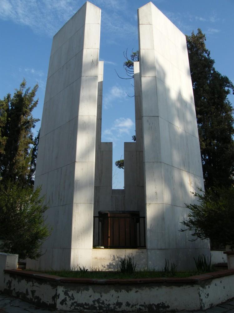 Mausoleo de la familia Allende-Bussi. Aquí yace el ex presidente Salvador Allende. Patio 50, calle O'Higgins. © Plataforma Urbana.