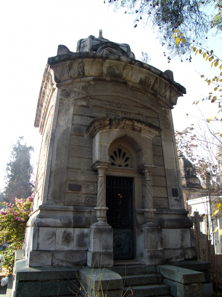Mausoleo de la familia del ex presidente Aníbal Pinto. Patio 50. © Plataforma Urbana.