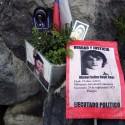Recuerdos que dejan, cada 11 de septiembre, los familiares de los Detenidos Desaparecidos. Patio 102, cercano al acceso por calle Valdivieso. © Plataforma Urbana.