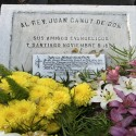 Tumba del Reverendo Juan Canut, el primer disidente sepultado en el Cementerio General. © Plataforma Urbana.