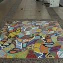 Mosaico de Sami Benmayor en la calle Ernesto Pinto Lagarrigue. © Plataforma Urbana.