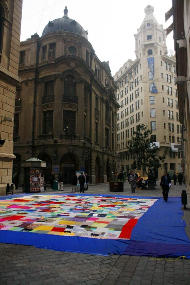 Colorida Intervencion Urbana en calle Nueva York
