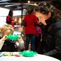 """En la Sala """"Explora MIM Mundo"""" (1° piso) para pre-escolares, padres y niños aprenden y se divierten. © Plataforma Urbana."""