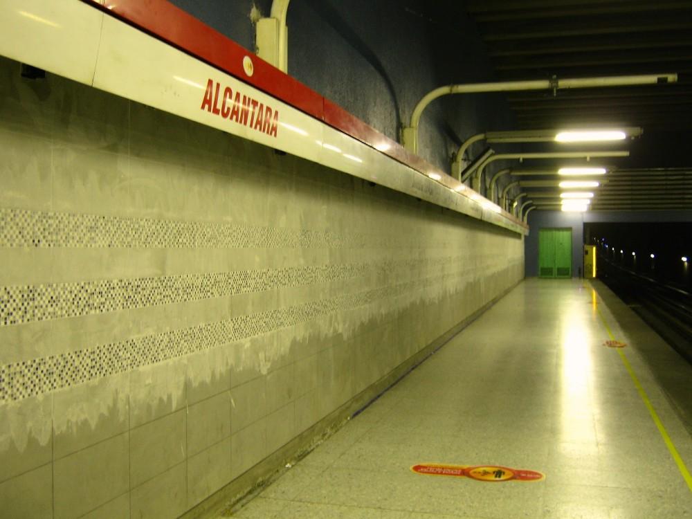 Metro 2012 05 22 Alcántara (5)