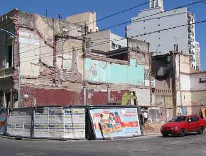 Figura 4 - Predio demolido del tradicional Bar O' Rondeman