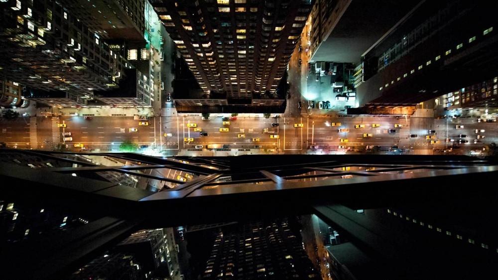 51454120b3fc4bb1d8000077_arte-y-arquitectura-fotograf-as-a-reas-de-nueva-york-y-tokio-por-navid-baraty_lets-travel-to-new-york-rooftops-with-navid-bara-1000x562