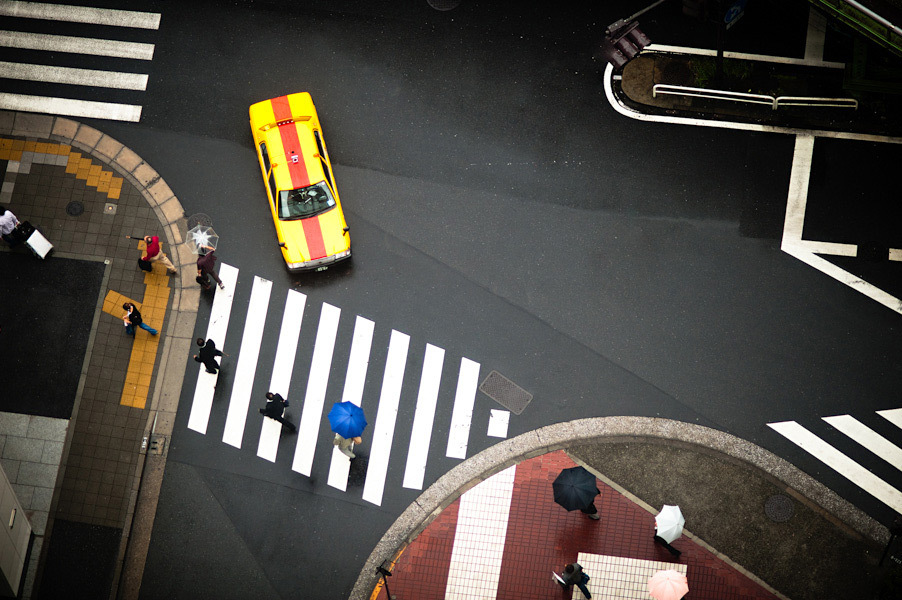 51454158b3fc4baa2c000080_arte-y-arquitectura-fotograf-as-a-reas-de-nueva-york-y-tokio-por-navid-baraty_navid-baraty-intersection-09