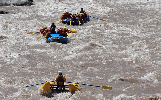 Rafting en el río Maipo. © biotaventura, vía Flickr.