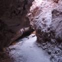 Entrada a cueva en el Valle de la Luna