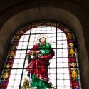 Uno de los vitrales al interior de la Catedral.
