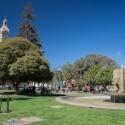Pileta y Catedral de la Plaza de Armas.