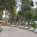Plaza de Vicuña y la Torre Bauer.