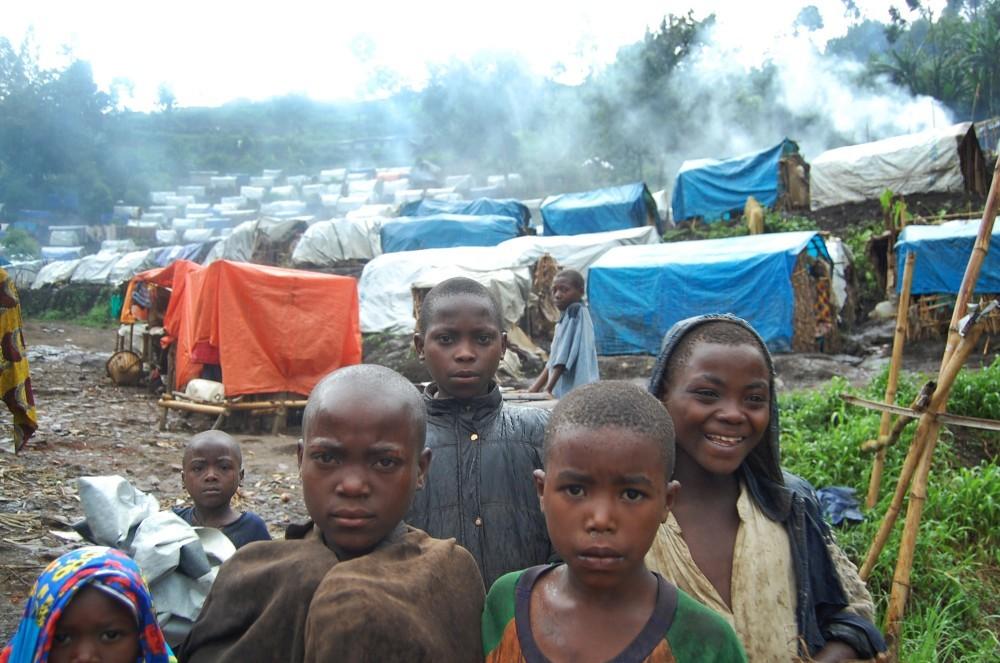 51c31f3eb3fc4b581f00008f_-qu-papel-tiene-la-arquitectura-en-un-conflicto-20-de-junio-d-a-mundial-de-los-refugiados_refugeecamp-ca_3-1000x663