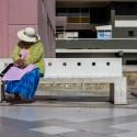 Mujer en Paseo 21 de mayo, Centro Histórico.