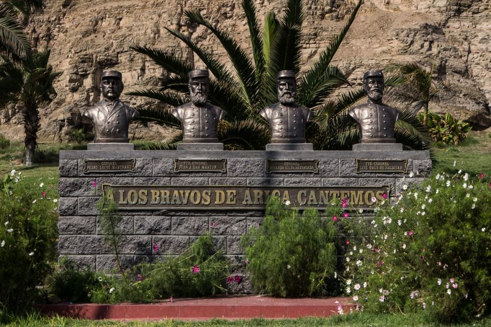 Monumento frente al Morro