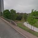 Puente de Av. Montrose. Fuente: Google Street View, en googlemaps.com