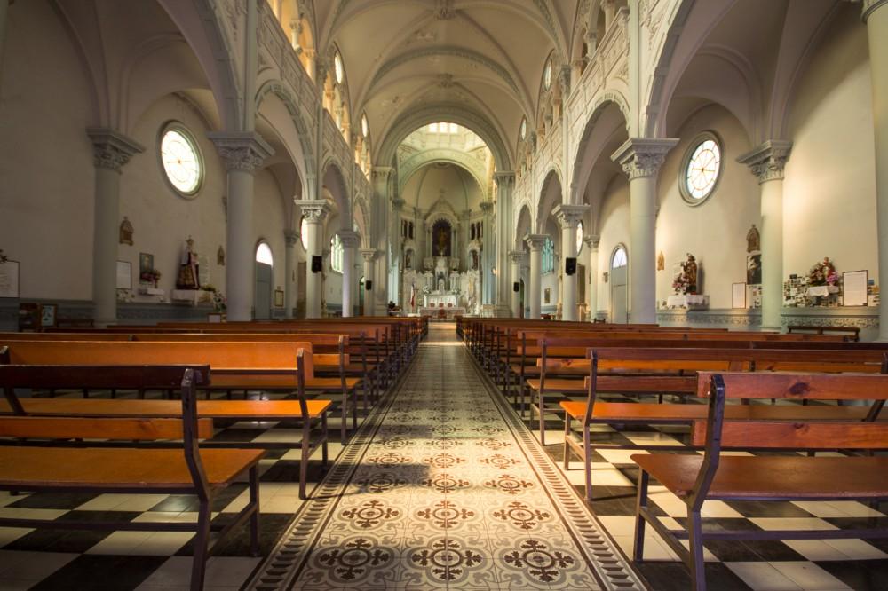 Interior Basílica Corazón de María