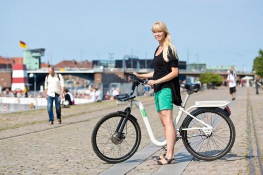 Andando de bike com legging transparente - 1 6