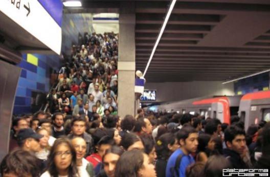 Cartas Destacadas De La Semana Congestion En El Metro Plataforma Urbana