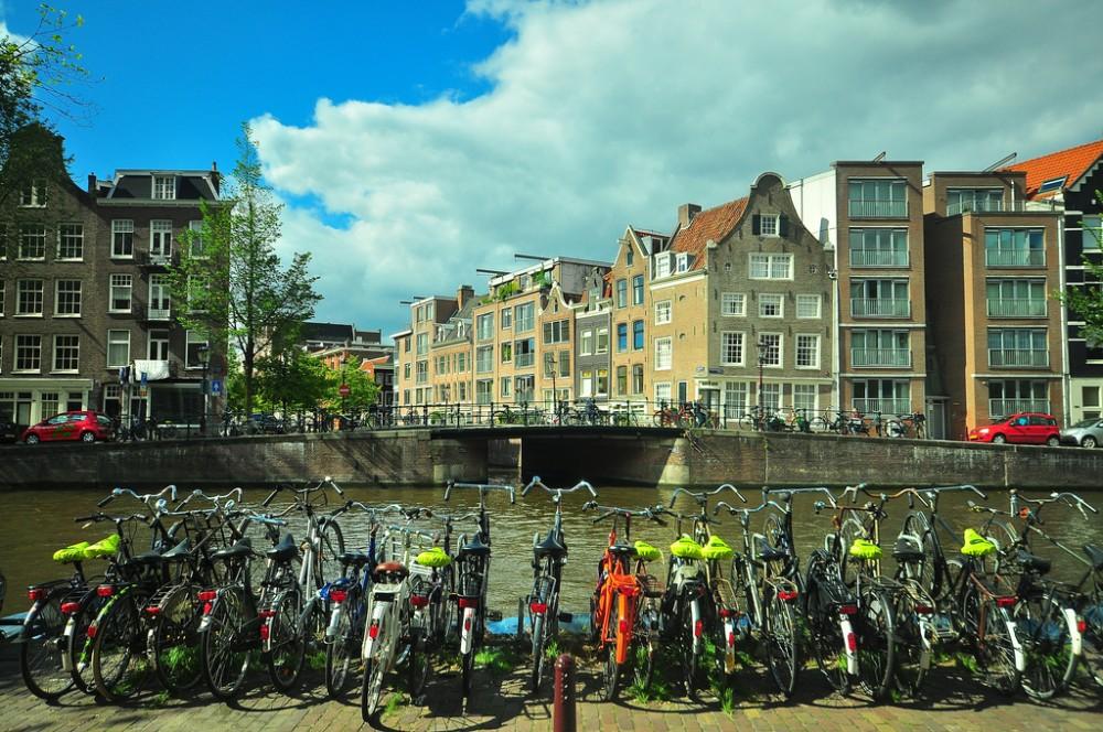 Muchas bicicletas