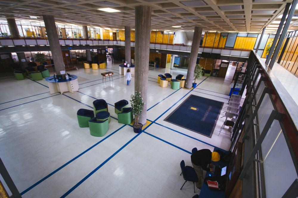 Biblioteca Central 5
