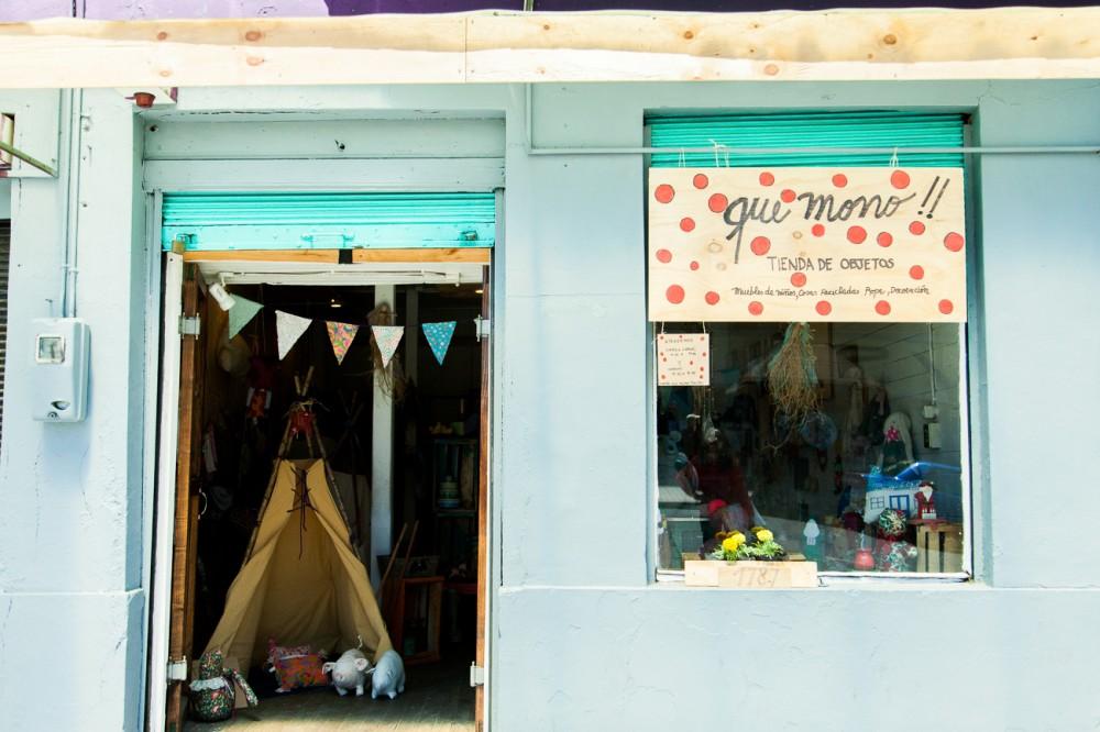 Tienda Qué Mono! en calle Lynch. © Andrea Manuschevich para Plataforma Urbana