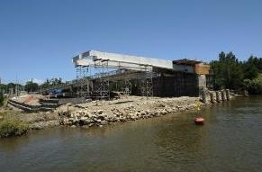 Construcción Puente Cau Cau Valdivia