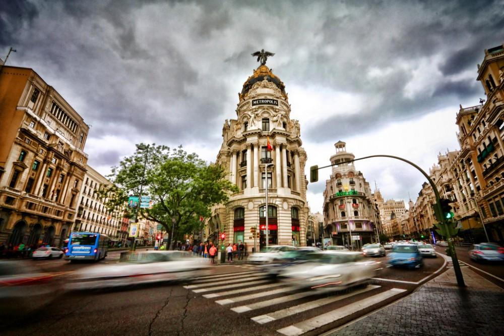Gran Vía Madrid © trioptikmal, vía Flickr.