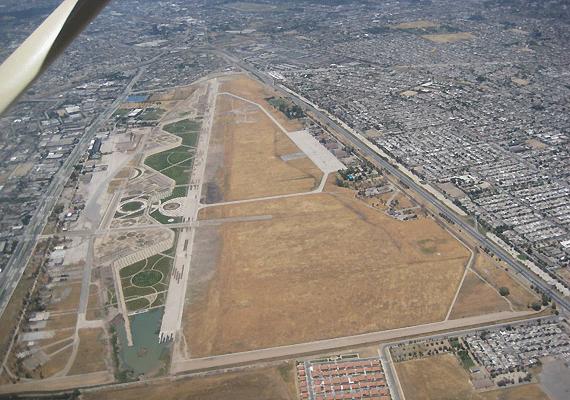 Aeropuerto Los Cerrillos vía Chile-Hoy.