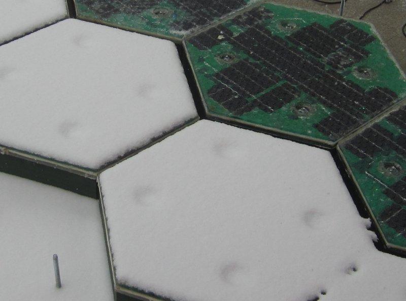 Prueba de nieve en paneles solares - Solar Roadways.