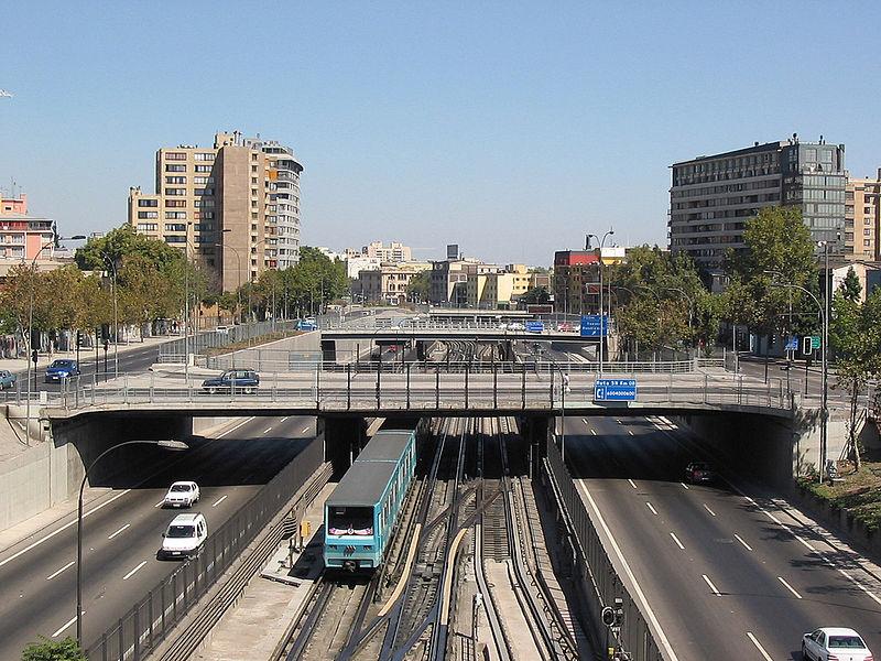 Autopista Central © loestamosgrabando, vía Wikimedia Commons