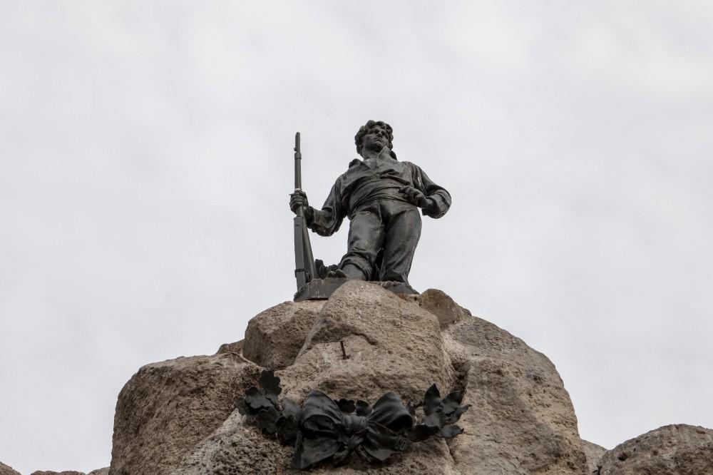 Monumento al Roto Chileno de Virginio Arias 2 © Plataforma Urbana