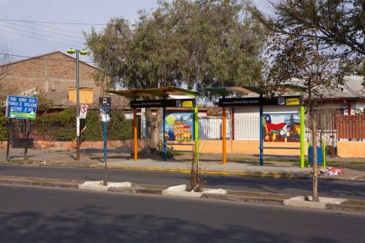 """""""Tus Ideas en Tu Paradero"""". Cortesía de Ciudad Color."""